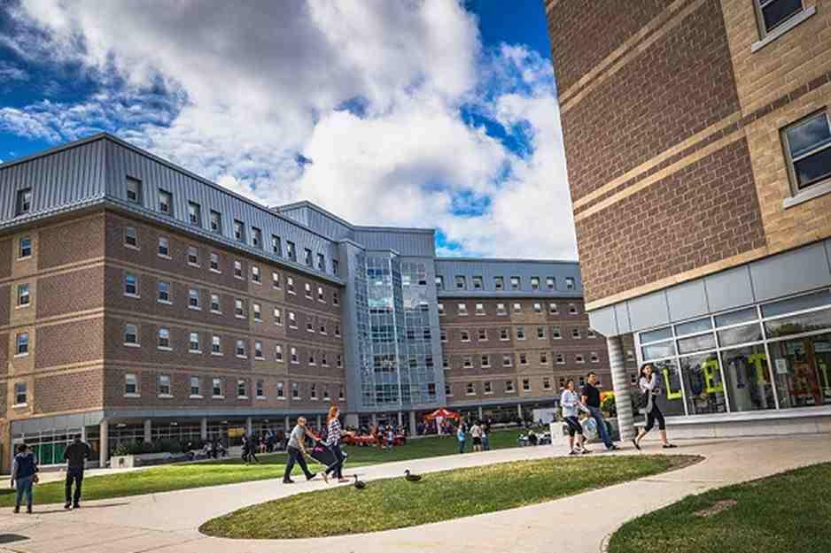 دانشگاه مموریال نیوفاندلند (Memorial University of Newfoundland)