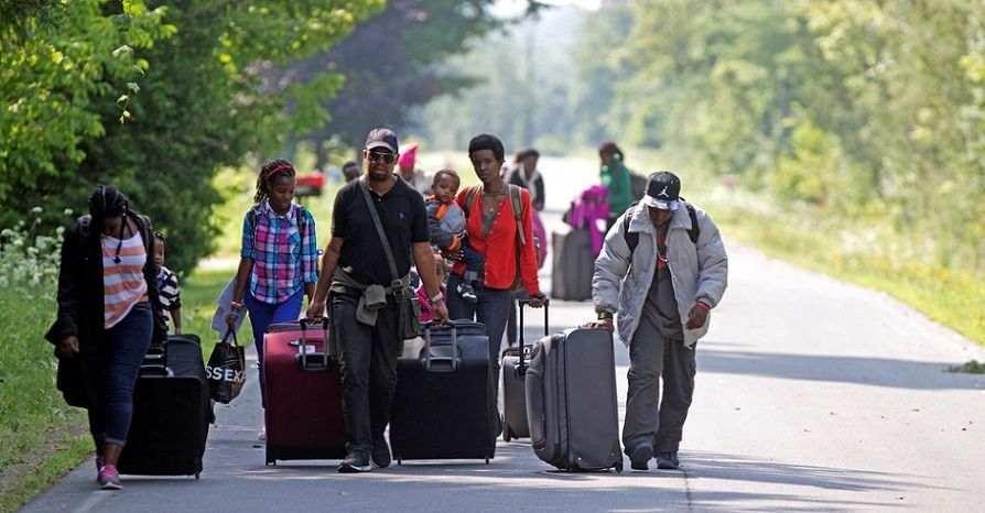 شرایط پناهندگی کانادا با ویزای توریستی