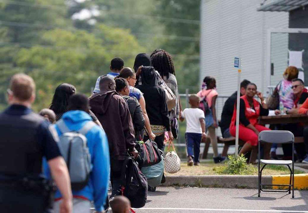 راه های پناهندگی به کانادا با ویزای توریستی